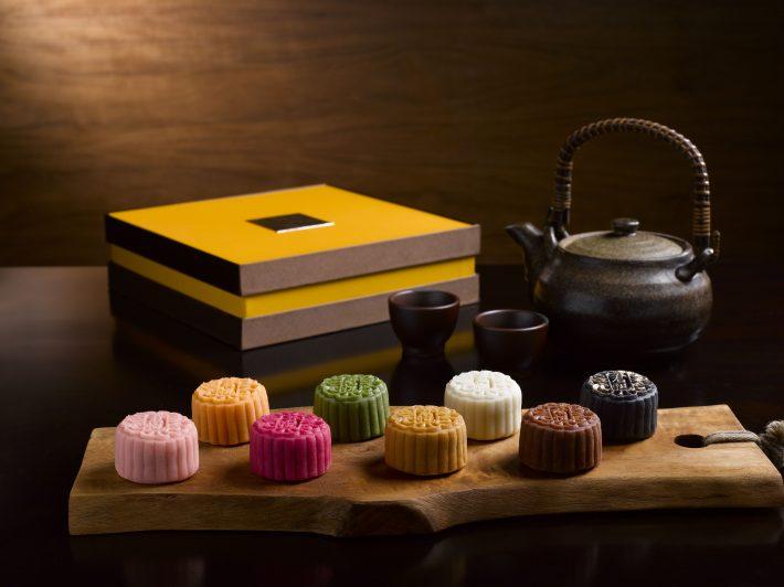 8-piece-miniature-snowskin-mooncakes-and-case