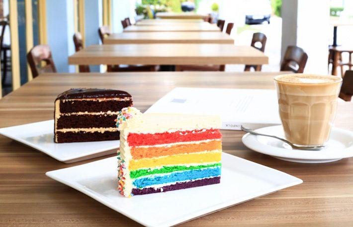 W39-Rainbow-Cake